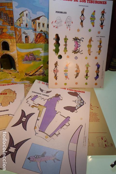Coleccionismo Recortables: Interesante Kit de Tintin con transferibles y escenario. Tintin en el lago de los tiburones. 1982. - Foto 2 - 162624918