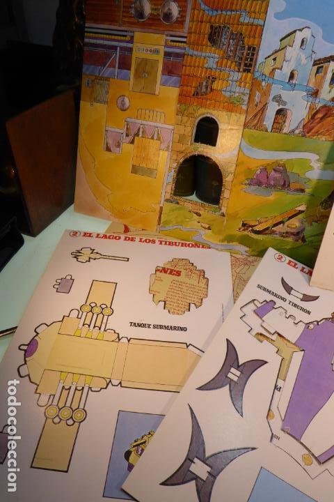 Coleccionismo Recortables: Interesante Kit de Tintin con transferibles y escenario. Tintin en el lago de los tiburones. 1982. - Foto 3 - 162624918