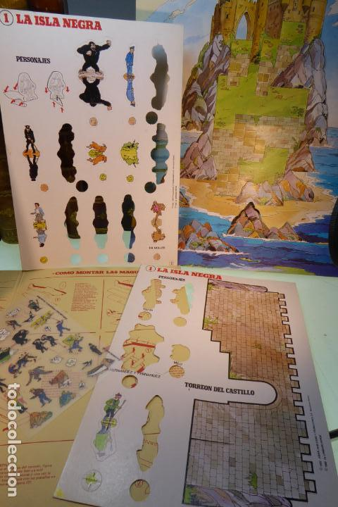 Coleccionismo Recortables: Interesante Kit de Tintin con transferibles y escenario. Tintin en la isla negra. 1982. - Foto 2 - 162632806