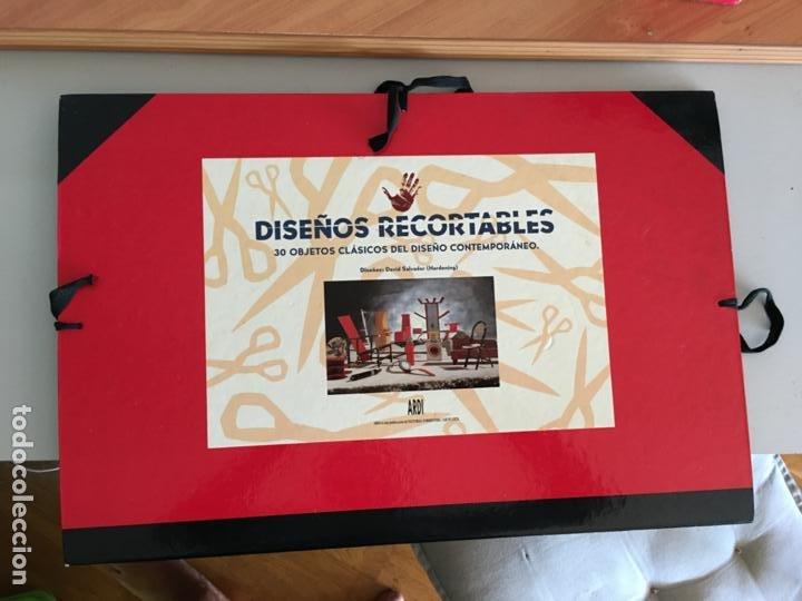 DISEÑOS RECORTABLES CARPETA 30 OBJETOS CLASICOS DISEÑO CONTEMPORANEO. DAVID SALVADOR HARDENING AB-1 (Coleccionismo - Otros recortables)