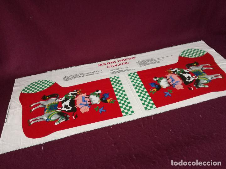 Coleccionismo Recortables: Curioso recortable de tela, Bota de dulces de navidad o similar, unos 110 x 46 cms. - Foto 2 - 255929605
