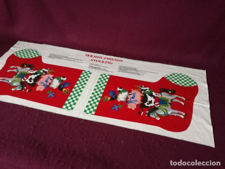 Coleccionismo Recortables: Curioso recortable de tela, Bota de dulces de navidad o similar, unos 110 x 46 cms. - Foto 3 - 255929605