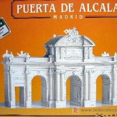 Coleccionismo Recortables: RECORTABLE PUERTA DE ALCALA - MADRID. Lote 181226061