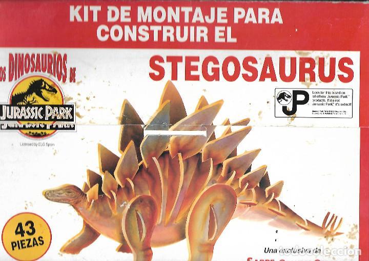 RECORTABLE KIT DE MONTAJE PAR CONSTRUIR EL STEGOSAURUS ESTUCHE COMPLETO CARTONES DUROS A TODO COLOR (Coleccionismo - Recortables - Construcciones)