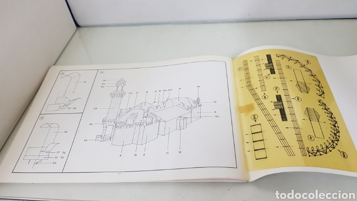 Coleccionismo Recortables: Gaudi EL CAPRICHO Comillas cantabria recortable medida libro 31x21,5cms - Foto 14 - 192796055