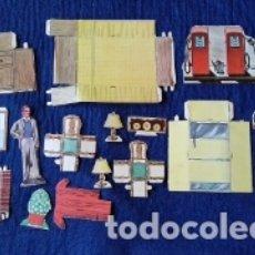 Coleccionismo Recortables: PIEZAS DE ANTIGUO RECORTABLE DE CARTULINA. GASOLINERA. MUEBLES.. Lote 174371097