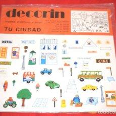 Coleccionismo Recortables: BLISTER * DECORIN * RECORTA, DISTRIBUYE Y PEGA TU CIUDAD * EDICIONES BAUSAN - AÑO 1980 - NUEVO!!. Lote 184055126