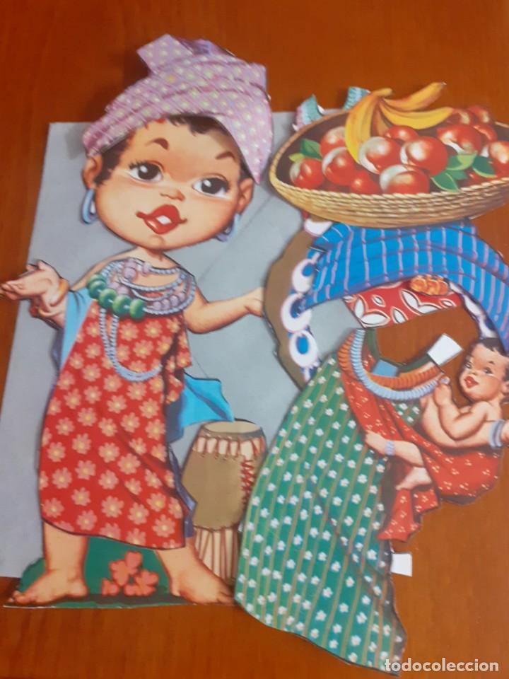 Coleccionismo Recortables: Lote de 4 muñecas recortables y recortadas de Paises del mundo con todas sus ropas - Foto 2 - 215009858