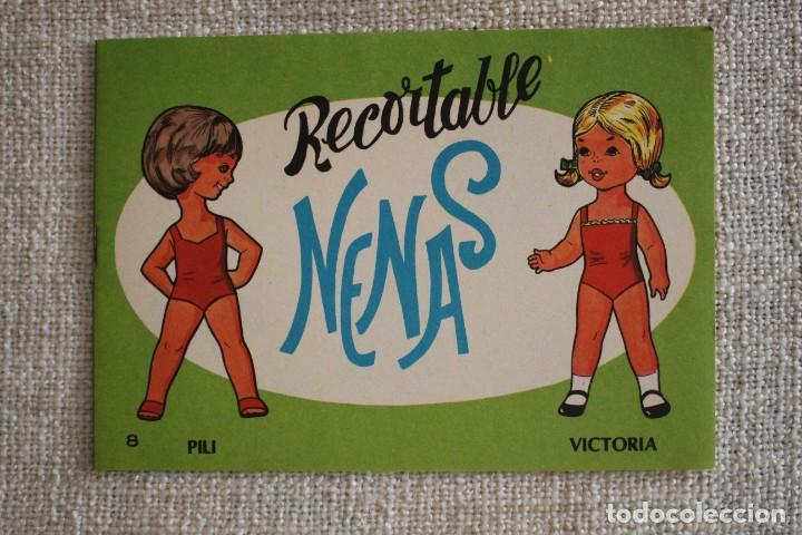RECORTABLE NENAS. PILI Y VICTORIA. Nº 8. AÑO 1977. EDITORIAL EVA. MEDIDA 12,5 X 18 CM. VER FOTOS. (Coleccionismo - Recortables - Muñecas)