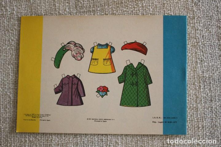 Coleccionismo Recortables: Recortable NENAS. Pili y Victoria. nº 8. Año 1977. Editorial EVA. Medida 12,5 x 18 cm. Ver fotos. - Foto 2 - 278611428