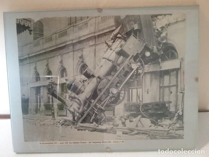 Coleccionismo Recortables: Recorte de periódico con imagen del accidente de la locomotora PARIS-GRANVILLE DE 1895 - Foto 2 - 226831560