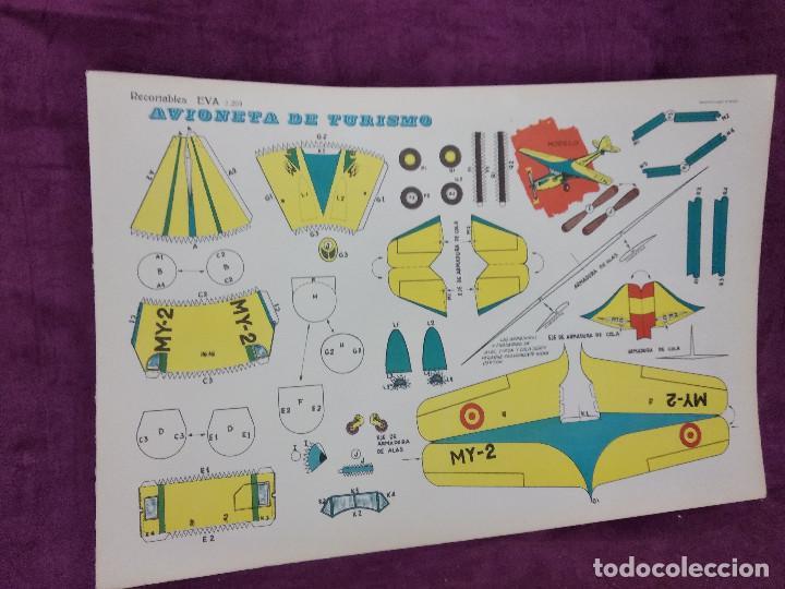 HOJA CON RECORTABLE DE VEHÍCULOS, AVIONETA DE TURISOM, RECORTABLES EVA, 1965, UNOS 45 X 30 CMS. (Coleccionismo - Recortables - Transportes)