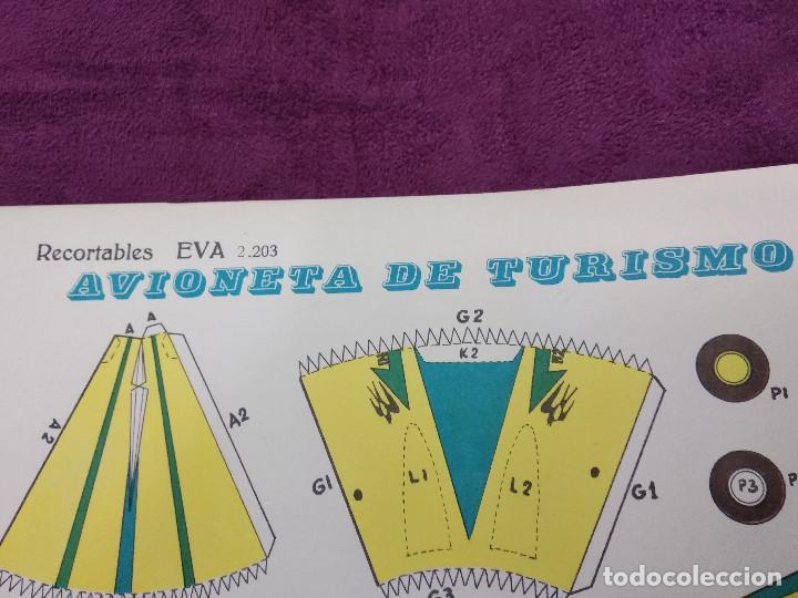 Coleccionismo Recortables: Hoja con recortable de Vehículos, Avioneta de Turisom, Recortables Eva, 1965, unos 45 x 30 cms. - Foto 4 - 242046755
