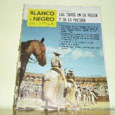 Coleccionismo de Revista Blanco y Negro: REVISTA BLANCO Y NEGRO Nº 2557 LOS TOROS EN LA POESIA Y EN LA PINTURA 1961. Lote 36100840