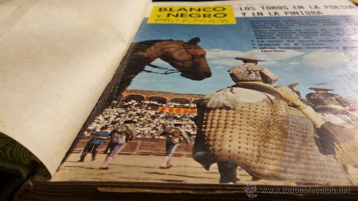 Coleccionismo de Revista Blanco y Negro: encuadernación blanco y negro 1961 mayo y junio. libro revista - Foto 2 - 45902394