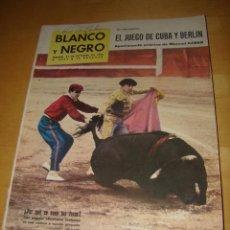 Coleccionismo de Revista Blanco y Negro: REVISTA BLANCO Y NEGRO - OCTUBRE 1962. Lote 46171123