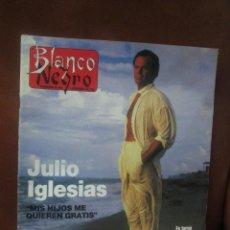 Coleccionismo de Revista Blanco y Negro: REV. 11/96 BLANCO Y NEGRO.-JULIO IGLESIAS ENTREVISTA,VERSACE Y SUS MODELOS,SUMMERS,ARTE,. Lote 58013405