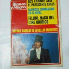 Coleccionismo de Revista Blanco y Negro: REVISTA BLANCO Y NEGRO Nº 3279 MARZO 1975, RAPHAEL, FEDERICO FELLINI, ELVIS PRESLEY... TDKR22. Lote 62508088