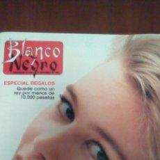 Coleccionismo de Revista Blanco y Negro: REVISTA BLANCO Y NEGRO, CLAUDIA SCHIFFER AÑO 1992.. Lote 63341308