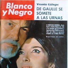 Coleccionismo de Revista Blanco y Negro: REVISTA ANTIGUA BLANCO Y NEGRO Nº 2796. 4 DICIEMBRE 1965. DE GAULLE URNAS. LA ORESTIADA MODERNA.. Lote 98619651