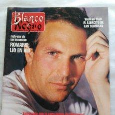 Coleccionismo de Revista Blanco y Negro: BLANCO Y NEGRO. SEMANARIO ABC. KEVIN COSTNER. ROMARIO. VUDÚ. MURCIÉLAGO. CHICAGO. Lote 118343968