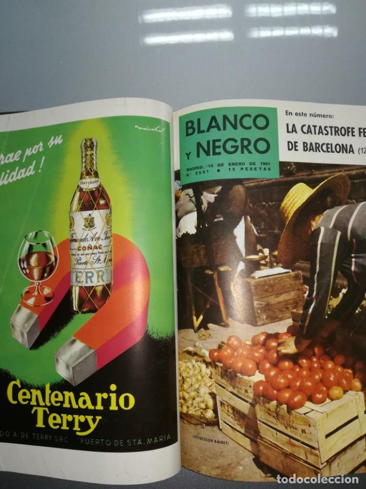 Coleccionismo de Revista Blanco y Negro: 8 revista blanco y negro encuadernadas año 1961 - Foto 10 - 139199494