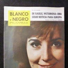 Coleccionismo de Revista Blanco y Negro: REVISTA BLANCO Y NEGRO. Nº 2639, 1962. CONCHA VELASCO, CAMPANAS CATEDRAL BARCELONA, FRUEHBECK. Lote 144136634