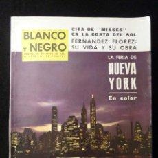 Collectionnisme de Magazine Blanco y Negro: REVISTA BLANCO Y NEGRO. Nº 2715, 1964. FERIA DE NUEVA YORK. WENCESLAO FERNÁNDEZ FLÓREZ, CHARLOT. Lote 144139078