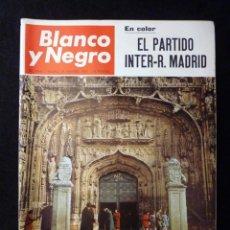 Coleccionismo de Revista Blanco y Negro: REVISTA BLANCO Y NEGRO. Nº 2860, 1967. FUTBOL INTER-REAL MADRID, VALLADOLID, RAQUEL WELCH. Lote 144141926