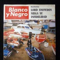 Coleccionismo de Revista Blanco y Negro: REVISTA BLANCO Y NEGRO. Nº 2862, 1967. V SALON NAUTICO BARCELONA, DALIDA, COPENHAGUE, AZORIN. Lote 144142046