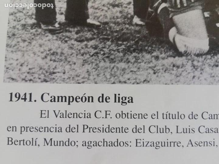 Coleccionismo de Revista Blanco y Negro: Fotografía del VCF, campeón de liga 1941 - 1942 - Foto 4 - 171149409