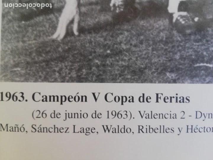 Coleccionismo de Revista Blanco y Negro: Fotografía del VCF, campeón V copa de ferias 1963 - Foto 5 - 171149750
