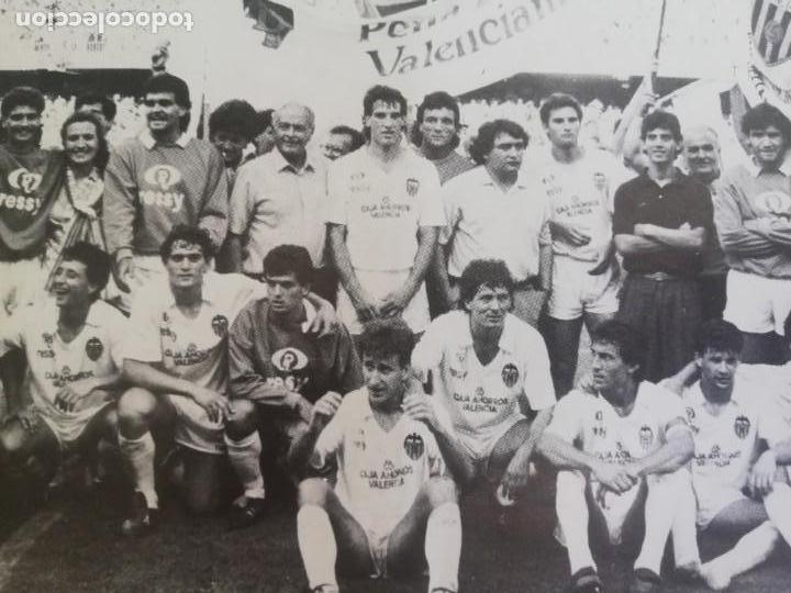 Coleccionismo de Revista Blanco y Negro: Fotografía del ascenso a primera división del VCF 1986 - Foto 7 - 171149873