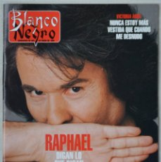 Coleccionismo de Revista Blanco y Negro: REVISTA BLANCO Y NEGRO Nº3996. 28 ENERO 1996. RAPHAEL. ELIZABETH BERKLEY. VICTORIA ABRIL. Lote 188734525