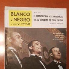 Coleccionismo de Revista Blanco y Negro: BLANCO Y NEGRO REVISTA Nº 2647 MADRID, 26 DE ENERO 1963_REFORMA DEL CAFE GIJON. LAS PRIMITIVAS MURAL. Lote 191011276