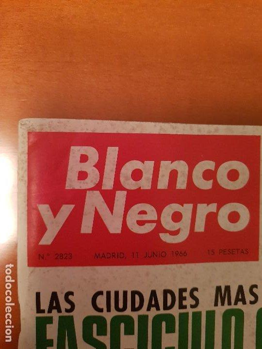 Coleccionismo de Revista Blanco y Negro: BLANCO Y NEGRO REVISTA Nº 2823 MADRID, 11 DE JUNIO 1966_500 MILLAS INDIANAPOLIS. UGANDA. GRANADA. - Foto 2 - 194210025