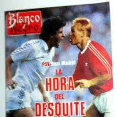 Coleccionismo de Revista Blanco y Negro: REVISTA BLANCO Y NEGRO ABC FEBRERO AÑO 1989. REAL MADRID PSV EINDHOVEN COPA EUROPA FÚTBOL. ANTIGUA. Lote 195140320