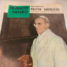 Coleccionismo de Revista Blanco y Negro: REVISTA BLANCO Y NEGRO 1959, REPORTAJES: ECLIPSES, SOFIA LOREN, MUERTE FUTBOLISTA CUCHU,.... Lote 214112502