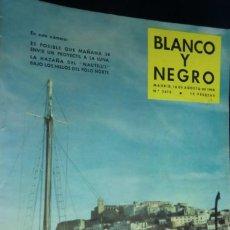 Coleccionismo de Revista Blanco y Negro: REVISTA BLANCO Y NEGRO Nº 2416- 16 DE AGOSTO 1958. LA HAZAÑA DEL NAUTILUS. Lote 233859490