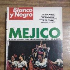 Coleccionismo de Revista Blanco y Negro: MFF.- REVISTA BLANCO Y NEGRO.- Nº 2945 DE 12 OCTUBRE 1968.- MAURICE CHEVALIER, AU REVOIR MADRID DE. Lote 243904190