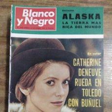 Coleccionismo de Revista Blanco y Negro: MFF.- REVISTA BLANCO Y NEGRO.- Nº 3003 DE 22 NOVIEMBRE 1969.- BUÑUEL DIRIGE TRISTANA CON CATHERINE. Lote 245475595