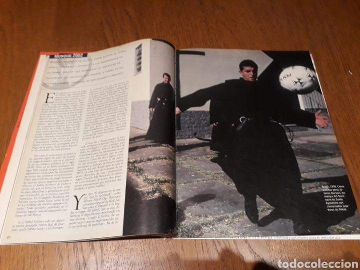 Coleccionismo de Revista Blanco y Negro: REVISTA 2002 . WOODY ALLEN - VICENTE FERRER - MUNDIAL DE FUTBOL 2002. EL FUTBOL DE OTROS MUNDOS - Foto 11 - 246088270