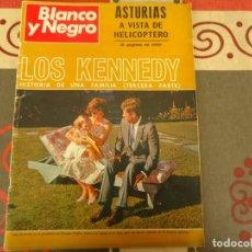 Coleccionismo de Revista Blanco y Negro: BLANCO Y NEGRO Nº 2936, LOS KENNEDY. Lote 264495409