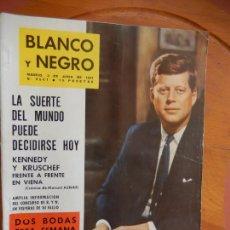 Coleccionismo de Revista Blanco y Negro: BLANCO Y NEGRO Nº 2561- 3 DE JUNIO 1961_KENNEDY Y KRUSCHEF FRENTE A FRENTE EN VIENA.. Lote 270174578