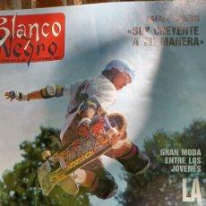 Coleccionismo de Revista Blanco y Negro: REVISTA BLANCO Y NEGRO 1988.VER SUMARIO. RAFAEL ALBERTI- INCA MARTI - MONOPATÍN FIEBRE-MANUEL RIVERA. Lote 274677023