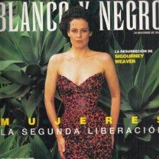 Coleccionismo de Revista Blanco y Negro: REVISTA BLANCO Y NEGRO Nº 4092 AÑO 4092. SIGOURNEY WEAVER. PAUL SIMON.. Lote 277019603