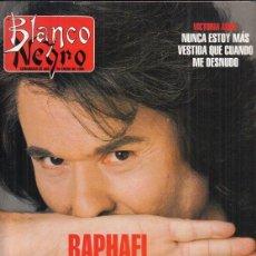 Coleccionismo de Revista Blanco y Negro: REVISTA BLANCO Y NEGRO Nº 3996 AÑO 1996. RAPHAEL. VICTORIA ABRIL. ALFREDO GARZON.. Lote 277147838