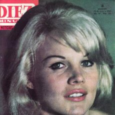 Coleccionismo de Revista Diez Minutos: DIEZ MINUTOS.ENERO 1965 Nº 700-CARROL BAKER REVOLUCIONÓ PARIS.. Lote 23566949