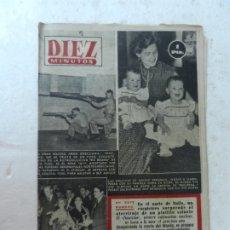 Coleccionismo de Revista Diez Minutos: REVISTA DIEZ MINUTOS Nº 698 JULIO 1953. EN ESTE NÚMERO: MELLIZAS DE INGRID BERGMAN POSAN CON SU MAMA. Lote 172364262