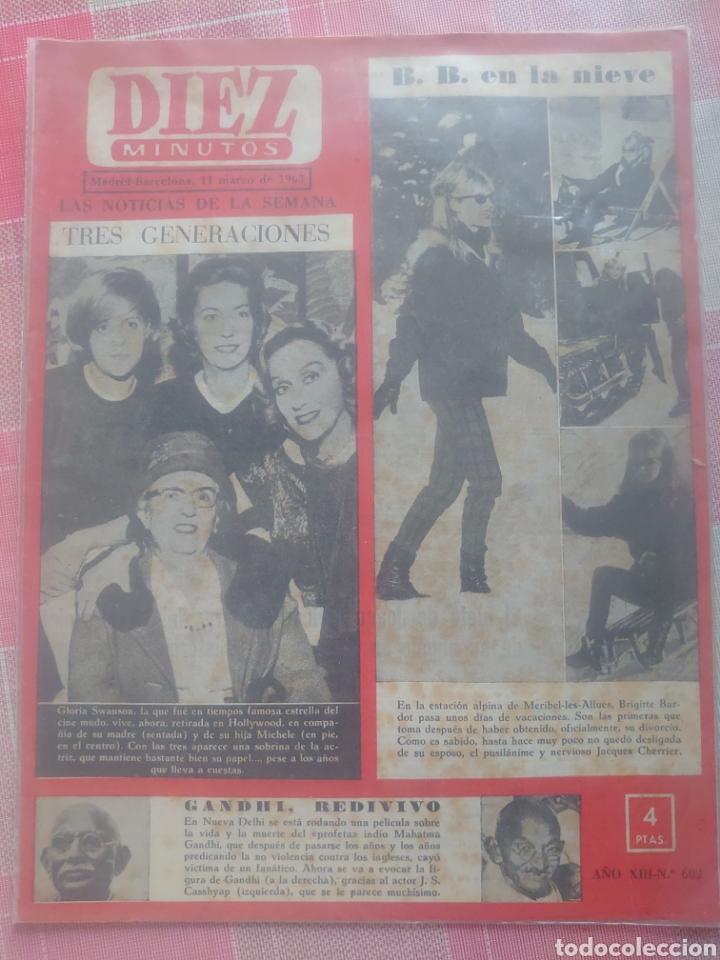 BRIGITTE BARDOT EN LA NIEVE REVISTA DIEZ MINUTOS MARZO 1963... (Coleccionismo - Revistas y Periódicos Modernos (a partir de 1.940) - Revista Diez Minutos)